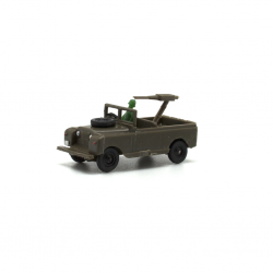 Land Rover corto military with soldier