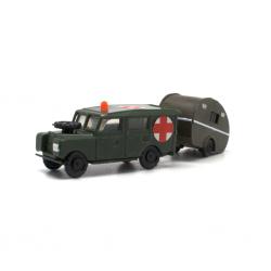 Land Rover Largo Cruz Roja con Caravana