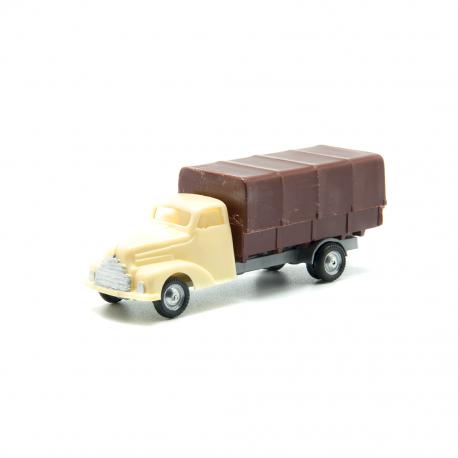 Camión Ford con toldo