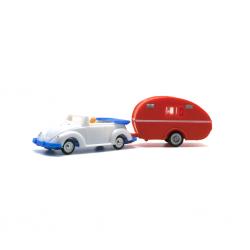 VW Cabriolet mit Wohnwagen